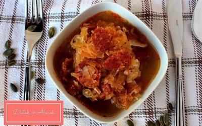 Kolbászos savanyú káposzta leves tönkölybúzával