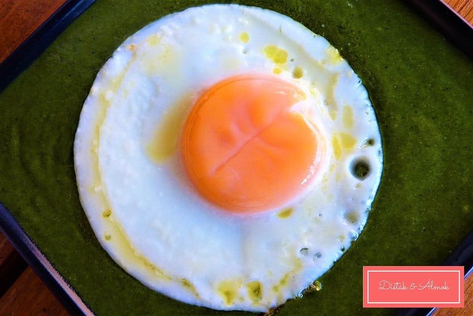 spenót főzelék tükörtojással szénhidrát diéta cukorbetegség inzulinrezisztencia